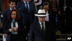 資料照:美國駐巴西大使托德·查普曼頭戴白草帽。