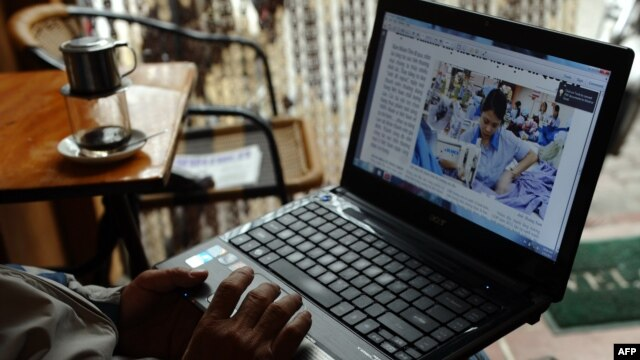 Ở khu vực Châu Á, Việt Nam chỉ đứng sau Trung Quốc về tình trạng kiểm duyệt internet, trấn áp, và bắt bớ các cư dân mạng.