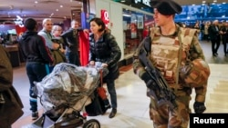 Các nước Âu châu đang đề cao cảnh giác sau các vụ tấn công khủng bố ở Paris.