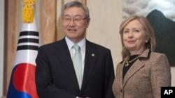 وهزیری دهرهوهی ئهمریکا ههلهری کلنتن ئهمڕۆ شهممه گهیشته پایتهختی کۆریای باشور