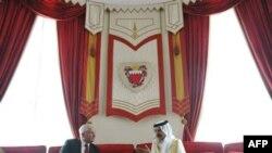 Gates Bahreyn'deki Gösterilere İran'ın da Karışabileceğini Söyledi