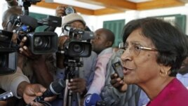 United Nations High Commissioner for Human Rights Navi Pillay speaks to journalists after meeting Zimbabwean President Robert Mugabe in Harare, May 23, 2012.