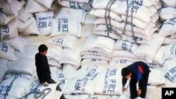 유엔 세계식량계획의 대북 쌀 지원. (자료사진)