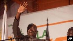 Le nouveau président du Burkina Faso, Roch Marc Christian Kaboré, le 1er décembre 2015 à Ouagadougou. (AP Photo/Theo Renaut)