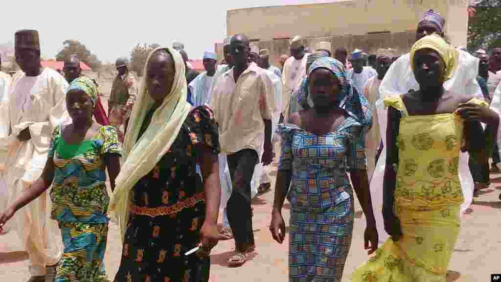 Dalibai mata su hudu na makarantar sakandare na Chibok,a cikin wanna hoton da aka dauka 21 ga Afrilu 2014.