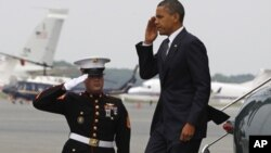 دیدار اوباما با اعضای خانواده قربانیان حادثه سقوط طیاره نظامی امریکا در افغانستان