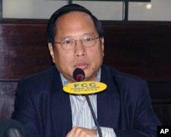 香港立法会议员、中国人权律师关注组主席何俊仁