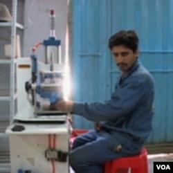 Afganistan: Domaće čizme za domaću armiju