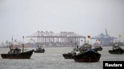 Porto Jawaharlal Nehru Port Trust (JNPT), Mumbai, Índia.