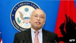 Ambasadori Arvizu thotë se mbërriti ekspertimi i provave të 21 janarit nga FBI