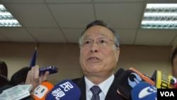 台灣防長嚴明3月6日立院談大陸軍費 (美國之音 申華拍攝)