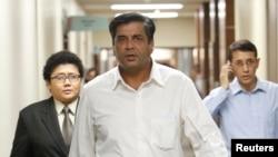 Đại sứ Ấn Độ tại Pakistan T.C. A Raghavan (giữa) nói tăng cường kho vũ khí hạt nhân không phải là một cách để xây dựng lòng tin.