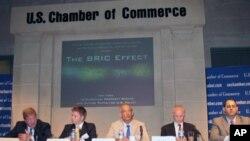 """美国商会举办研讨会,讨论""""金砖四国""""可能给美国公司带来的发展机会与挑战。"""