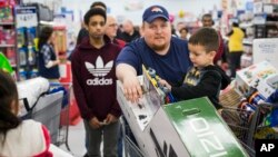 Semakin banyak toko di Amerika yang menyediakan layanan swa kasir atau self checkout (foto: ilustrasi).