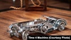 Зроблено в Україні: металевий конструктор із механізмами для дітей і дорослих. Фотогалерея