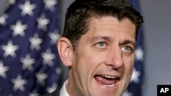 Paul Ryan por ser un joven conservador y carismático, que mantiene una buena relación con los contribuyentes del partido y algunos activistas también conservadores es considerado una buena opción entre los republicanos para convertirse en su candidato.