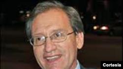 Dr. Eduardo Gamarra, politólogo y profesor de Ciencias Políticas en FIU
