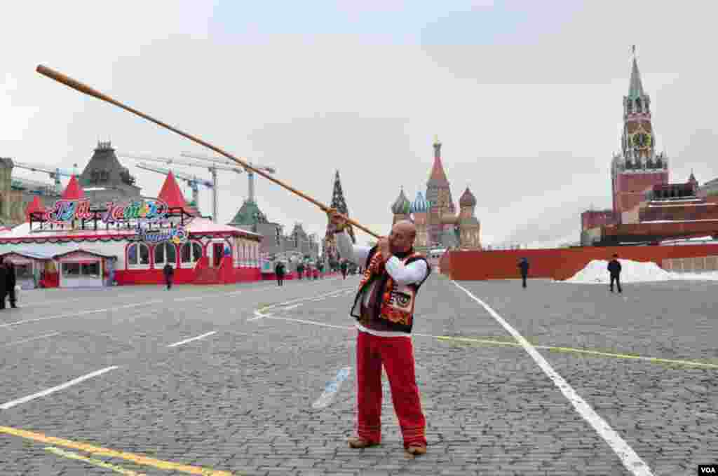 Карпатские гуцулы в Москве в эти дни – привычное явление. Жители украинских гор говорят, что в России их любят и хорошо принимают