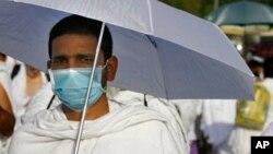 Ana kokarin yakar cutar Ebola.