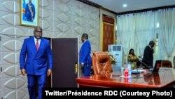 Président Felix Tshisekedi na likita ya mbulamatari, Kinshasa, 10 décembre 2020. (Twitter/Présidence RDC)