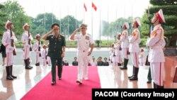 Đô đốc Harry Harris trong chuyến thăm Việt Nam năm 2016.