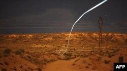 Так летит пуля с лазерным наведением. 1 февраля 2012 г.