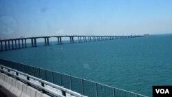 港珠澳大橋是世界跨海距離最長的橋隧組合公路。(美國之音湯惠芸)