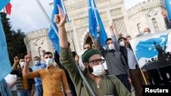 Protestë në Stamboll për të bojkotuar mallrat franceze