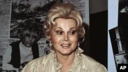 匈牙利出生的美国著名电影演员莎莎·嘉宝于1978年拍摄的肖像照(资料图片)