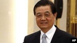 Chủ tịch Trung Quốc Hồ Cẩm Đào theo dự kiến là một trong 7 ủy viên thường vụ Bộ chính trị sẽ nghỉ hưu