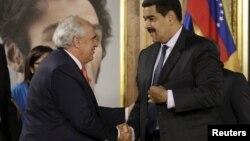 Maduro y Samper se reunieron en Caracas para hablar del dialogo político con la oposición.