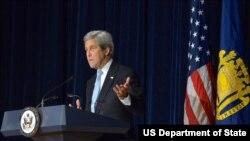 克里1月10日在美國海軍學院講話(圖片來源:美國國務院)