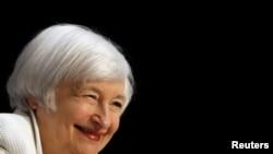 """""""Aunque soy optimista sobre el futuro de la economía no puedo descartar la posiblidad expresada por algunos prominentes economistas de que el bajo crecimiento de la productividad visto en años recientes continuará"""", dijo Janet Yellen."""