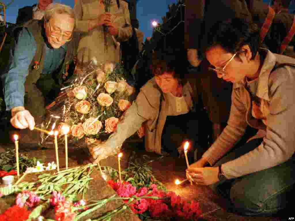 Свечи в память о погибших