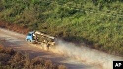 Chiếc xe chở gỗ hướng về bang Para, miền bắc Brazil. Một cựu bộ trưởng môi trường nói những thay đổi sẽ xóa nỗ lực từ nhiều thập niên chống việc hủy hoại rừng nhiệt đới