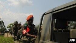 Les militaires des FARDC (Forces Armées de la République Démocratique du Congo) patrouillent à Beni, le 19 août 2016.