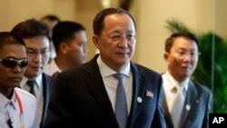 Ministan harkokin wajen Korea ta arewa, Ri Yong Ho a lokacin da ya halarci wani taro ministocin kungiyar ASEAN a Manilla. (AP Photo/Aaron Favila)