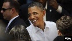 Ante universitarios en la ciudad de Ann Arbor, Obama manifestó que por primera vez la deuda de los préstamos estudiantiles ha superado la deuda de las tarjetas de crédito.