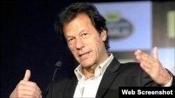 پاکستان تحریک انصاف کے سربراہ عمران خان (فائل فوٹو)