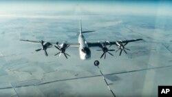 روسی اسٹریٹجک بمبار طیارہ، ٹی یو 95 (فائل)