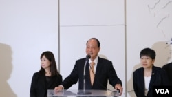 台灣海基會董事長林中森(中,美國之音楊明拍攝)