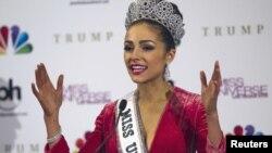 2012年環球小姐冠軍﹐來自美國的奧利維婭‧庫爾普
