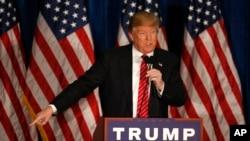 دانلد ترمپ، نامزد انتخابات مقدماتی از حزب جمهوری خواهان به موقفگیری های جدی اش معروف است.
