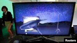 한국 서울의 가전매장에 삼성전자가 만든 LED TV가 전시돼있다. (자료사진)