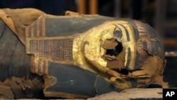 تابوت مومیایی مصری دوهزار وپنجصد ساله در موزیم شیکاگو