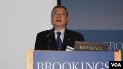 Bộ trưởng Quốc phòng Ðài Loan Dương Niệm Tổ đã từ chức vì đạo văn.