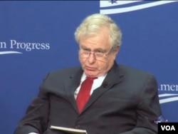 克林頓總統時期的國家安全顧問伯傑在研討會上。針對崔天凱的批評重申美國政府在這些問題的立場。(視頻截圖)