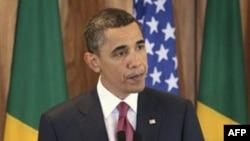 Başkan Obama, Libya'da koalisyon güçlerince girişilen askeri harekatın başlamasından kısa bir süre sonra, resmi ziyaret için bulunduğu Brezilya'nın başkenti Brasilia'da basın toplantısı düzenledi (19 Mart 2011)