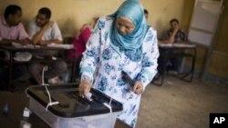 На избирательном участке в Александрии. Египет. 17 июня 2012 г.