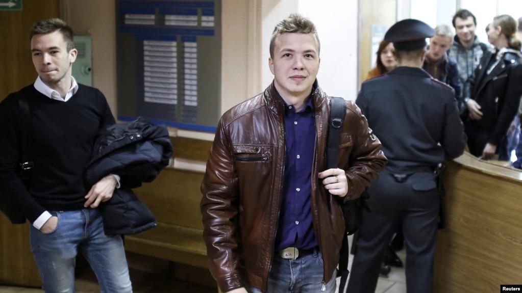 白俄罗斯反对派活动人士和记者拉曼·普拉塔塞维奇(路透社2017年4月10日)(photo:VOA)